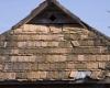 Выбор:  отремонтировать или заменить крышу?