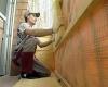 Чем лучше утеплять стены дома?
