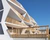 Зигзагообразные балконы обеспечили оригинальность обычной четырехэтажке