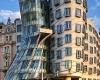 """Знаменитый """"Танцующий дом"""" в Праге была продана за 13 млн. евро"""