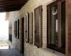 Деревянные ставни на окна придадут особый колорит дому